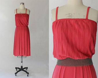 SALE // 1970s Vintage Sundress // 70s Spaghetti Strap Blouson Day Dress // Hot Pink Summer Dress // Small