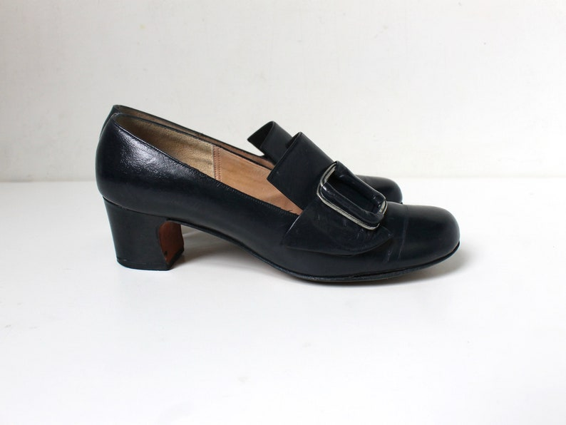 9d6f106f303 1960s Navy Blue Leather Pilgrim Pumps with Buckles    60s Mod