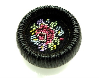 Vintage embroidered flower motif black button 1pc