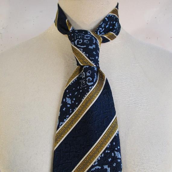 tie  mens tie  vintage clothing  Classic tie   vintage tie   menswear  tie vintage clothing   gift for him  retro tie  polyester