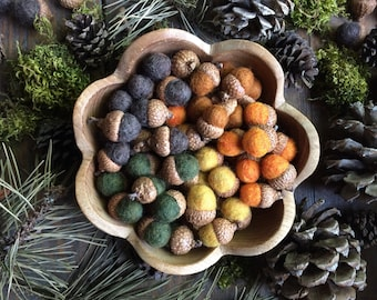 Felted wool acorns, wholesale set of 100, CUSTOM COLORS, bulk felt acorns, Etsy wholesale wool acorns, autumn wedding favors, bowl filler