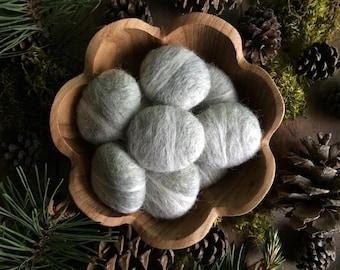 Felt pebbles, Light Grey, set of 10, grey wool rocks, needle felted cat toys, grey bowl filler, natural centerpieces, felted wool stones