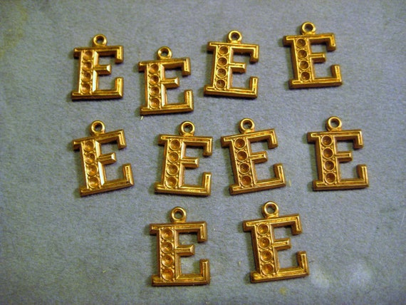 Vintage Monogram Stampings Raw Brass Jewelry Findings 1950s Small Letter L Charms 12x11mm 10 pieces Stone Settings Decorative Trim