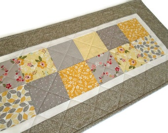 Quilted Table Runner in Yellow and Gray, Retro Floral Quilted Table Topper, Patchwork Table Runner Quilt, Handmade Runner
