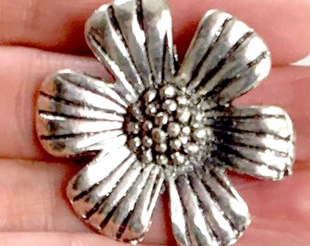 Antiqued  Pendant DIY Pendant Jewelry Making 35x28 mm Flower Pentant Metal Flower Pendant