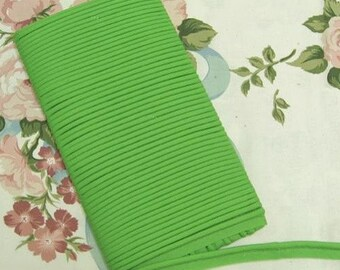 Polyester Bias Piping 16 yards 11214 Apple Green