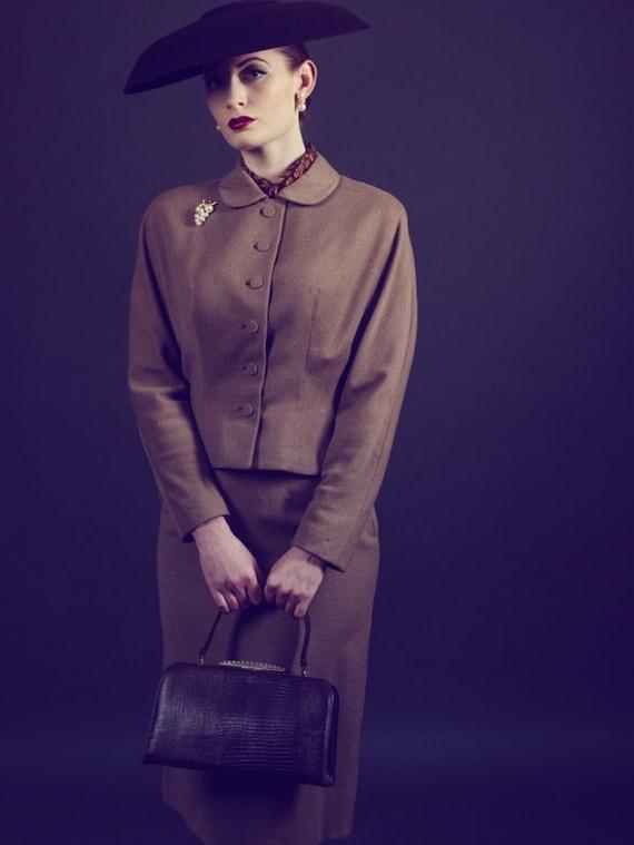 Vintage 50s Skirt Suit in Tan Beige Brown  Wool Si