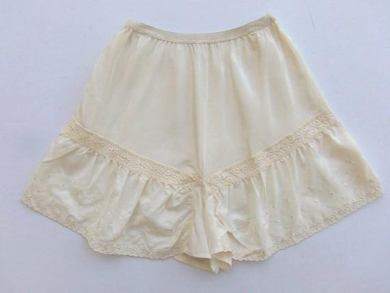 Vintage 40's Tap Pants Lingerie Panties Ivory or C