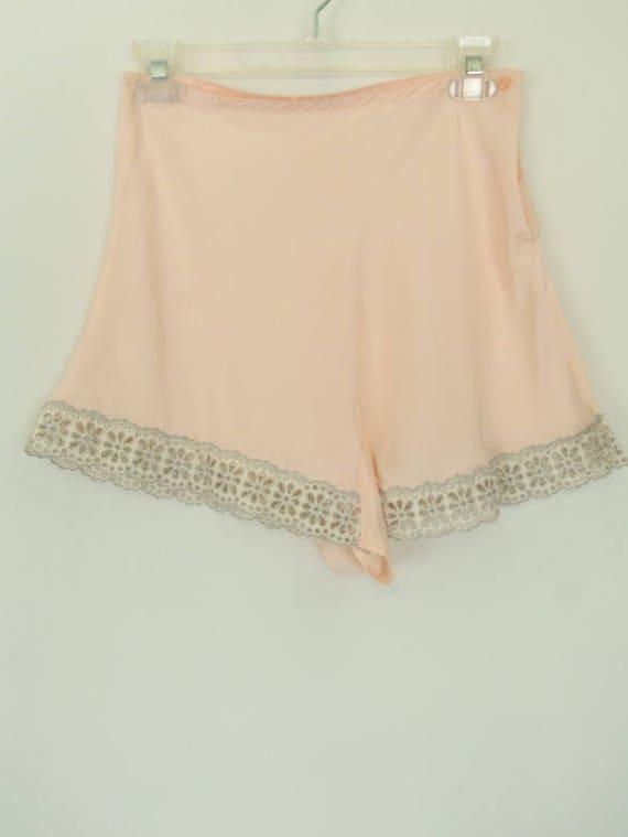 Vintage 40's Tap Pants Panties Baby Pink Pastel Gr