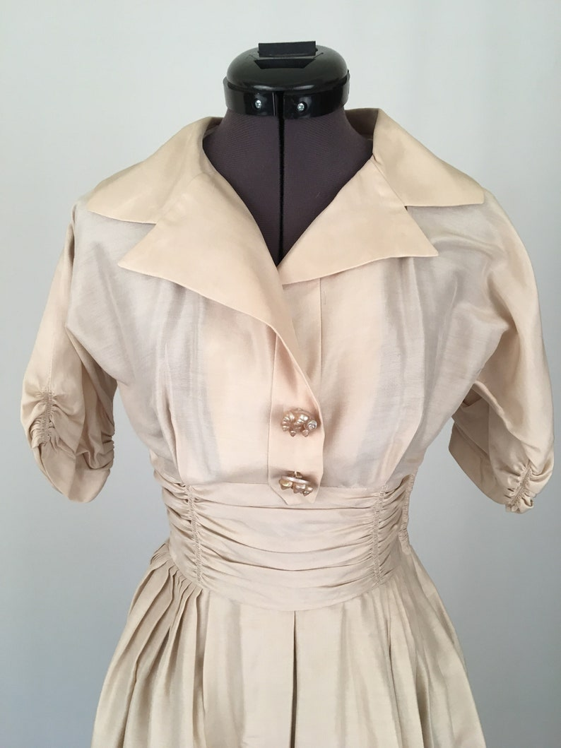 Vintage 50/'s Dress Beige or Tan with Shell Buttons Like New Condition STUNNING Size XS