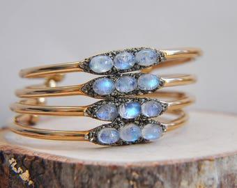 Moonstone cuff, Moonstone Bracelet, Moonstone Bangle, Natural Stone Cuff, Stone Bracelet, Stone Cuff, Moonstone Jewelry, Gifts for her, Boho