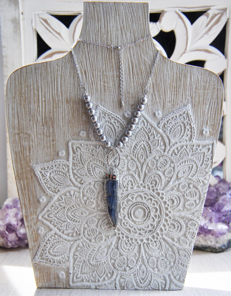 Pearl Necklace Stone Necklace Kyanite Blade Blue Kyanite,Silver Kyanite Necklace,Boho Chic Necklace,Blue Stone Necklace Kyanite Necklace