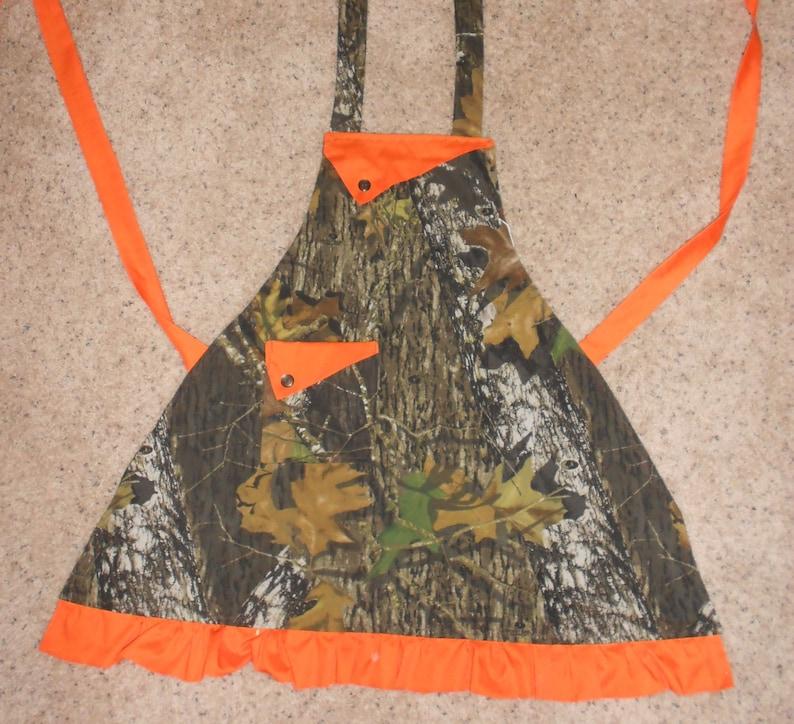 Autumn Ruffle Women/'s Apron Pocket Fall Camouflage Deer Hunting Mossy Oak Women/'s