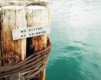 Land - No Swimming No Diving