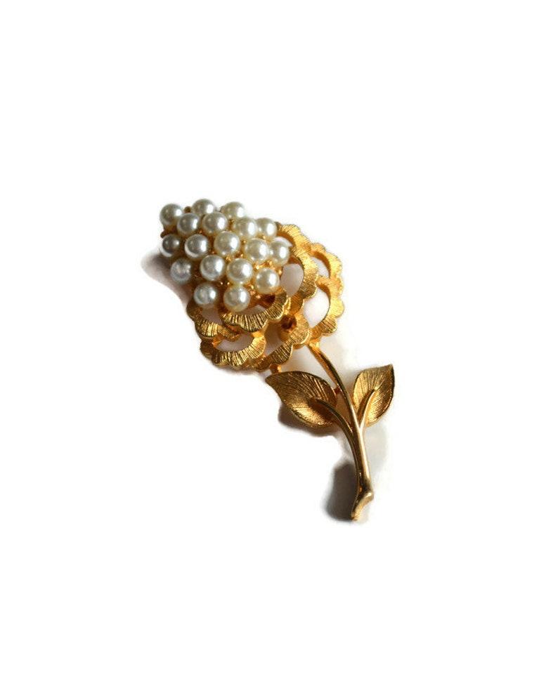 Vintage Pearl Flower Shaped Brooch  \u2013 Vintage Classic Refined Elegance \u2013 Perfect Gift For Her June Birthday