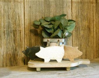 Small Wood Pig , Farmhouse Tiered Tray Decor, Wooden Pig, Farm Decor, Farm Tray Decor