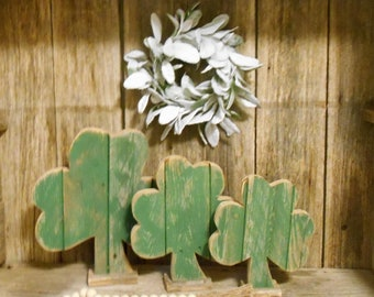 Rustic Shamrock with Stand, St. Patrick's Day Decor, Pallet Shamrock, Rustic Porch Decor, Rustic Holiday Decor, Set or Single (1)