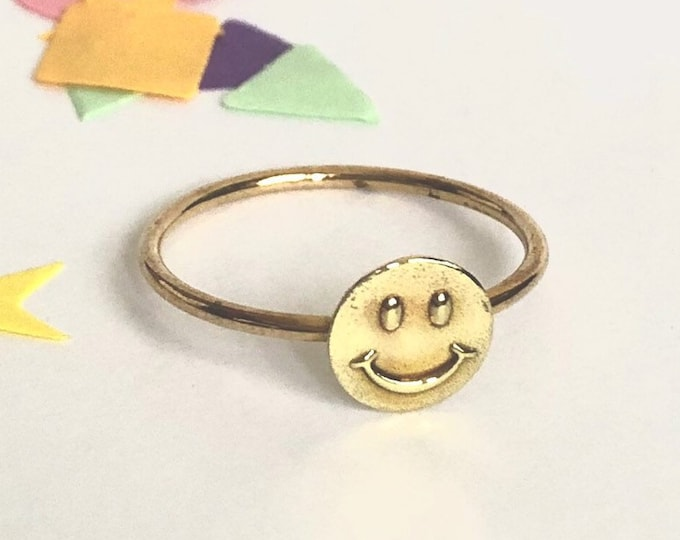90's Smiley Ring