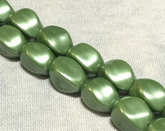 Magnetic Hematite Pearl Green Twist Beads - 8x6 mm