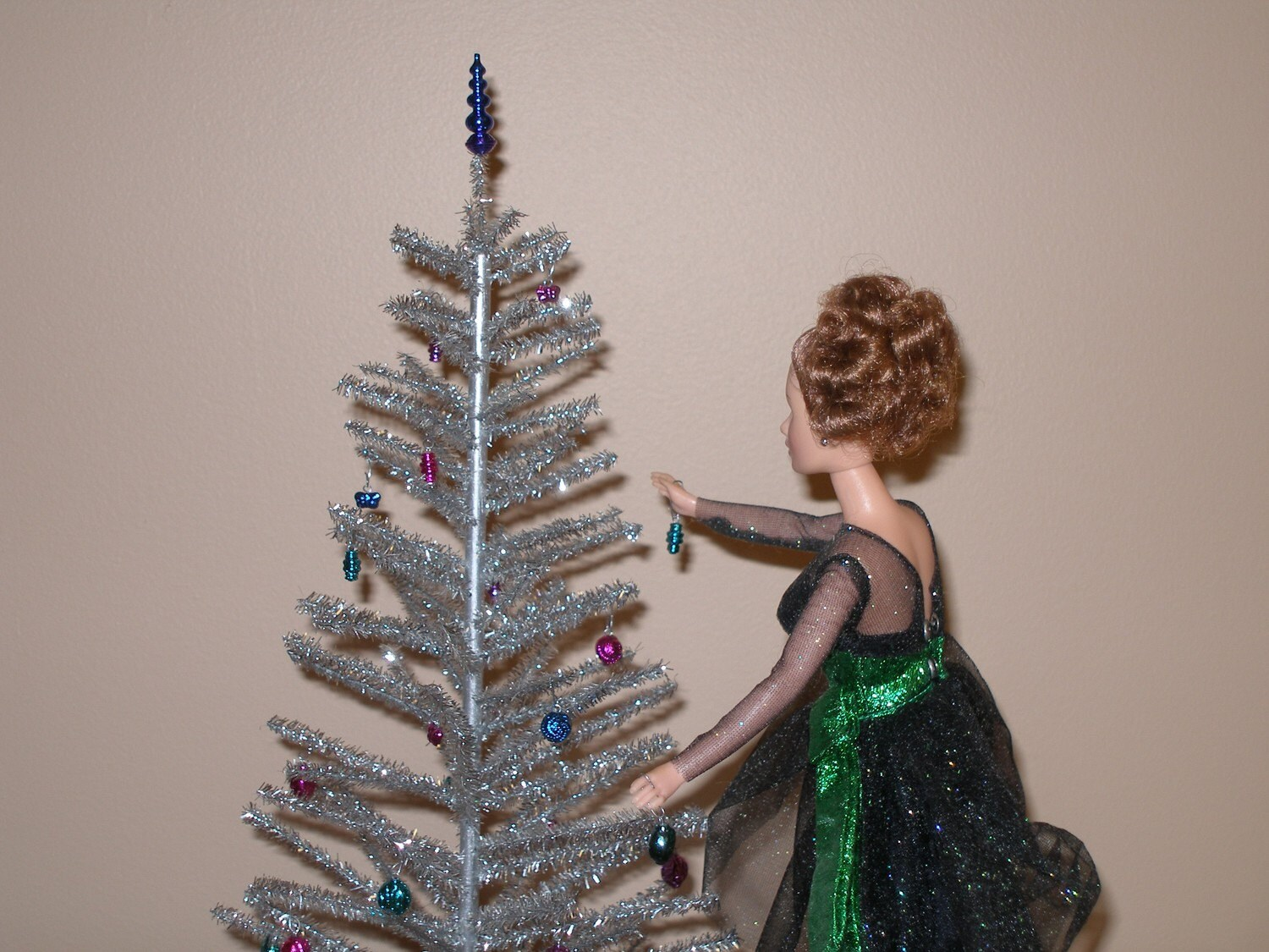 Playscale 1/6 Or 1/4 Scale Silver Aluminum Christmas Tree
