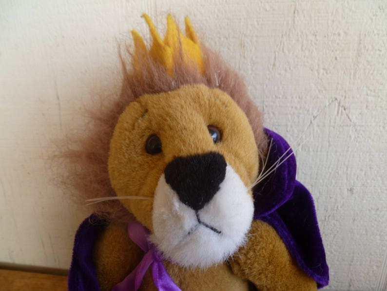 TY Plush Jointed Lion Sire With Purple Crown  917c822e80f6