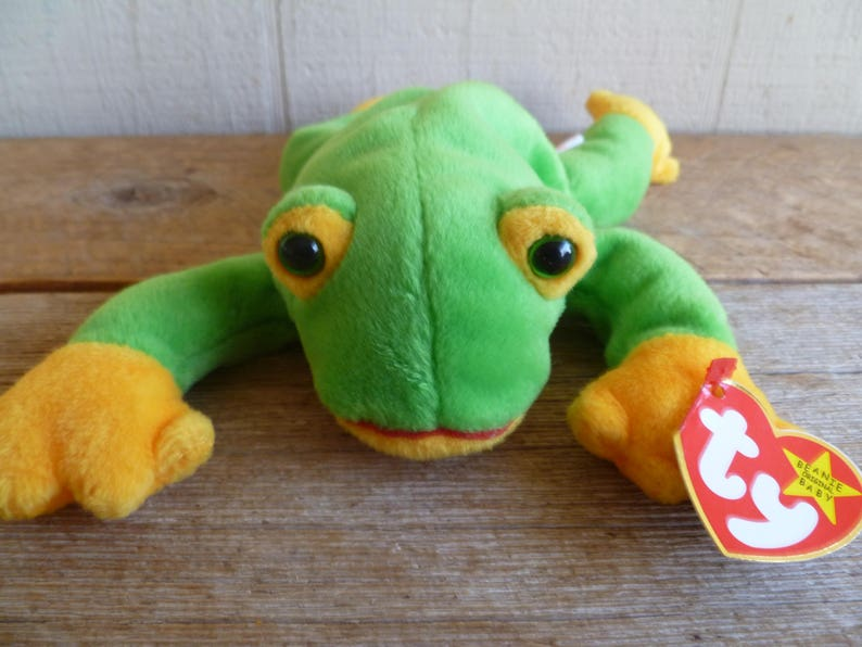 e31fe7cb288 Rare TY Beanie Baby Frog Smoochy Frog With Tags
