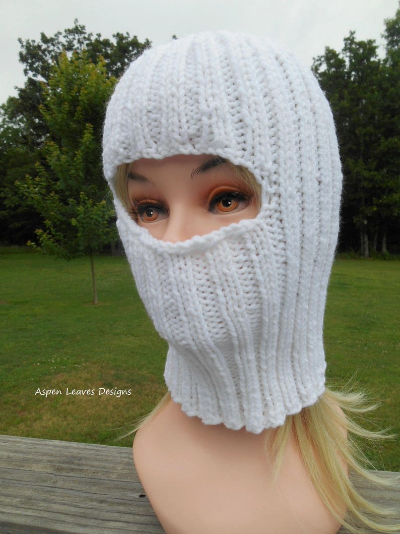 Adult Balaclava in pure white. Ski mask. Acrylic. Hand knit. image 0