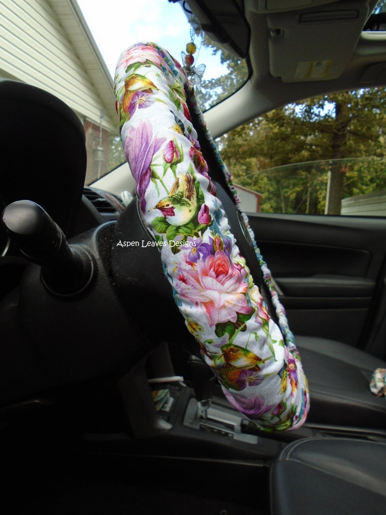 Hummingbird steering wheel cover. Fully lined delicate image 0
