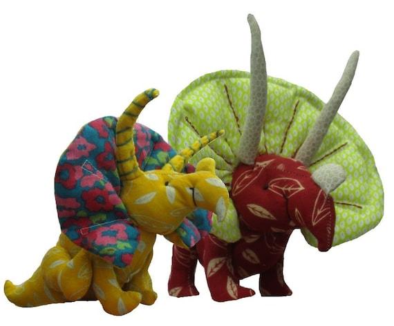 Kuscheltier-Dinosaurier-Schnittmuster. Stoff-Triceratops. | Etsy