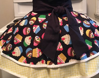 Bakers Choice Apron,Fancy Apron,Ladies Apron,Cupcakes Apron,Half Apron,Gift for Her,Cooking Apron,Birthday Gift,Housewarming Gift,Free Ship