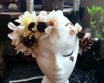 Daisy Bridal Flower Crown with Pinecones