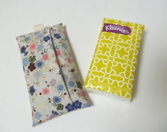 Tissue Case/Plum Flower