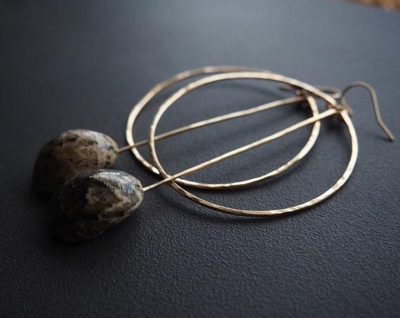Kūpe'e Shell Circle Bar Earrings