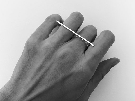 Asymmetrical Bar Ring