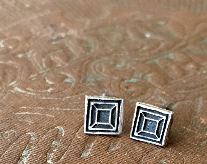 Small Stud Earrings, Square, Linear