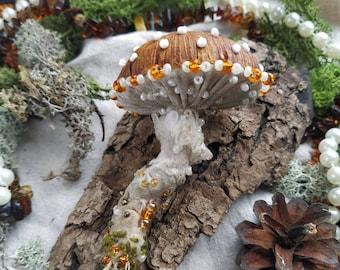 Mushroom pendant, textile mushroom, amanita mushroom, witchy pendant, woodland pendant, red dotted fabric mushroom