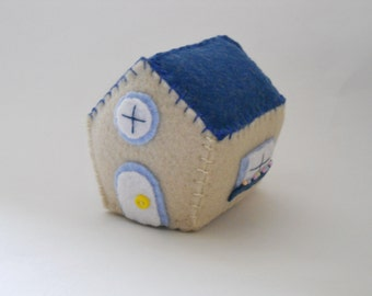 Little House Pincushion - Novelty Felt Pincushion - Small Cottage with Flowers - Sewing Accessory