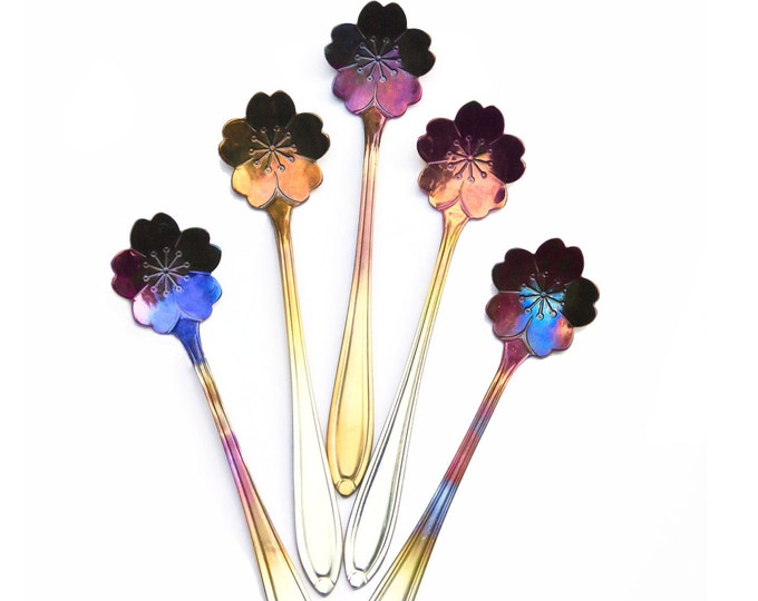 Set Of 4 Rainbow Spoon Flowers, Unique Kitchen, Silverware Flatware, Bridal Party Tableware, Outdoor Summer Floral Wedding, Party Favors