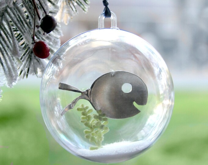 Adorable Aquarium Ornament with Silver Spoon Fish, Minnow Orb, fish ornament, fish bowl, aquarium, bowl, kids pet, goldfish