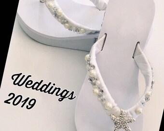 049fc1a84 White Wedding Flip Flops. White Flip Flops Beach Wedding Shoes. Bridesmaid  Sandals. Wedding Sandals Bridal Slippers. Bridal Thongs