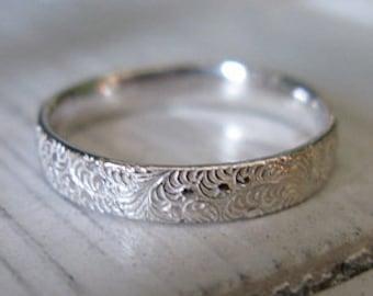 Vintage Sterling Silver Wedding Band Ladies Wedding Band of Flowers Silver Ring Carved Wedding Band Vintage Wedding Band Renaissance Ring