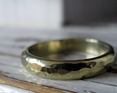 18K Green Gold Custom Wedding Band 4mm Hammered Gold Ring Unique Mens Wedding Band Viking Wedding Ring