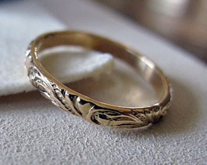 Vintage Wedding Band 14K Yellow Gold 4mm Carved Floral Swoop Design
