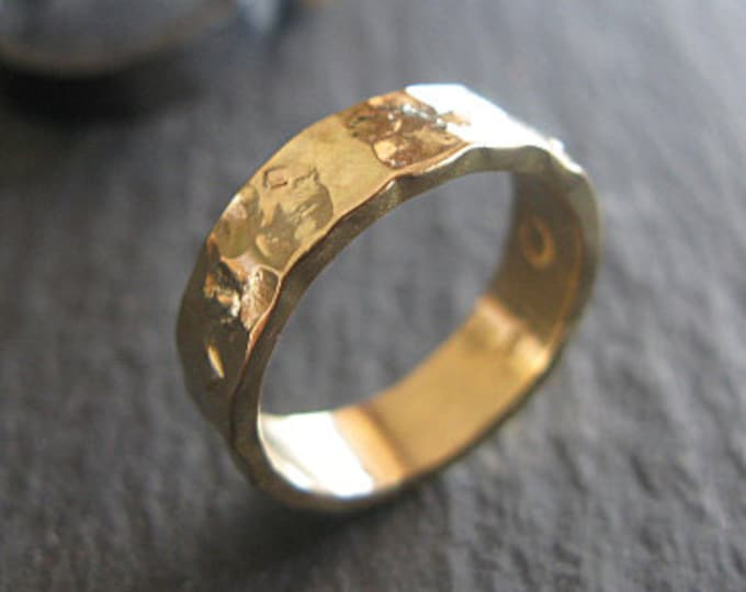 Handmade Wedding Band 5mm 18K Gold