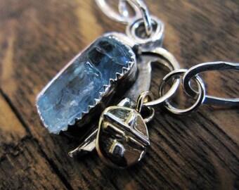 ad9520a324b Collier aigue marine brute brute aigue marine pendentif fait à la main en  argent sterling chaîne collier en cristal aigue-marine naturelle 18K or  pendentif ...