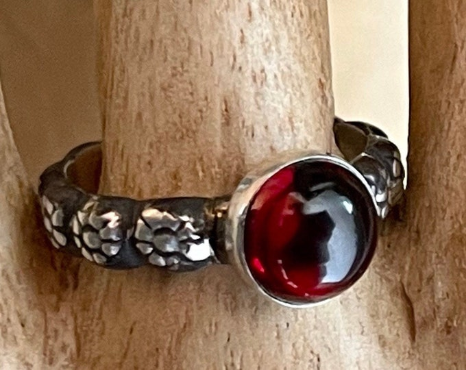 Garnet Ring 8mm Smooth Cabochon Sterling Silver Carved Floral Band Promise Ring Vintage Style Wedding Ring Ladies Wedding Band Stacking Ring