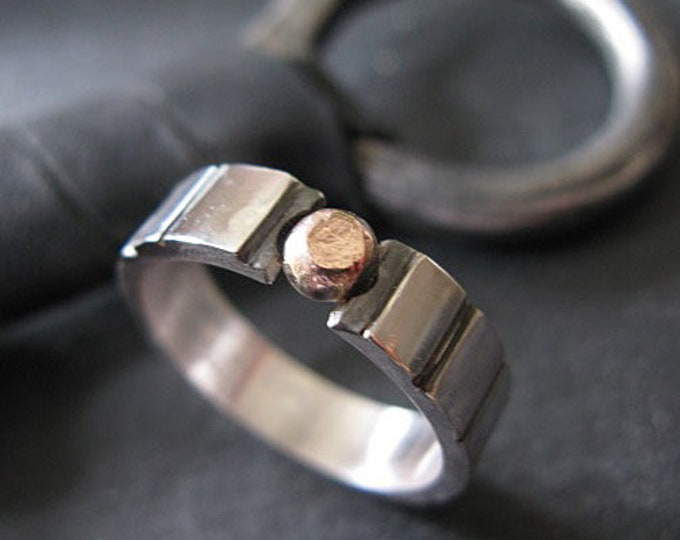Alternative Engagement Ring - Modern Love with Solid Gold Disc