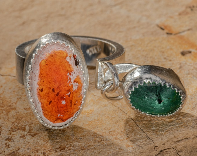 Rustic Emerald Ring Mexican Fire Opal Natural Emerald Ring Dangle Cantera Opal Ring Gemstone Ring Ring Adjustable Modern Mothers Day Jewelry