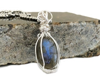 Wire Wrapped Labradorite Pendant Necklace Blue Gray Crystal Healing