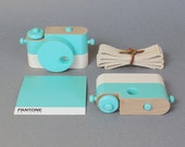 Mint  - Wooden Toy Camera